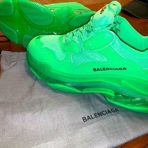 Balenciaga triple s shoes